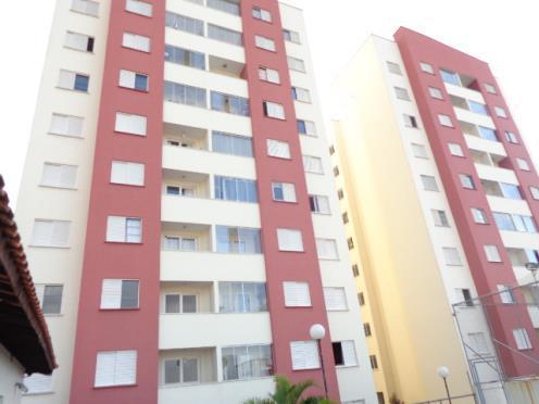 Apartamento com 2 quartos, pronto pra morar.
