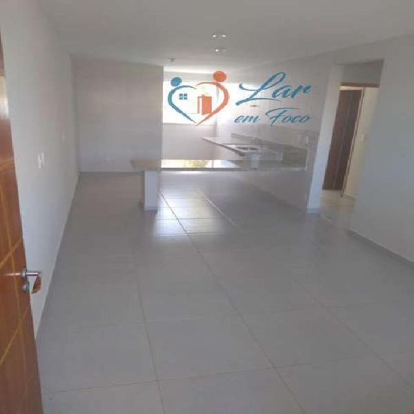 Casa para venda tem 74 m² com 2 quartos suíte com