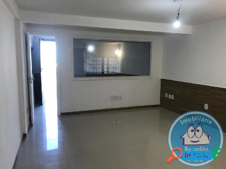Alugo sala comercial no centro de Porto Seguro R$1.100,00 3