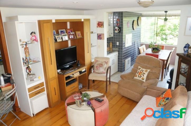 Apartamento 3 dormitórios, 1 suíte, 2 vagas. Petrópolis 2