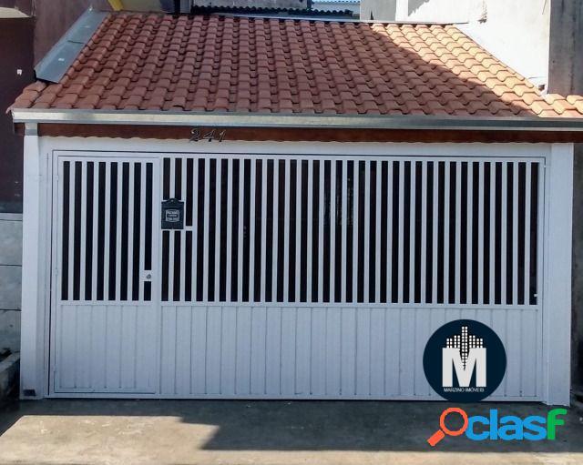 Casa de 120m² com 2 Dorms, Quintal, 2 vagas de garagem - Carapicuíba - SP