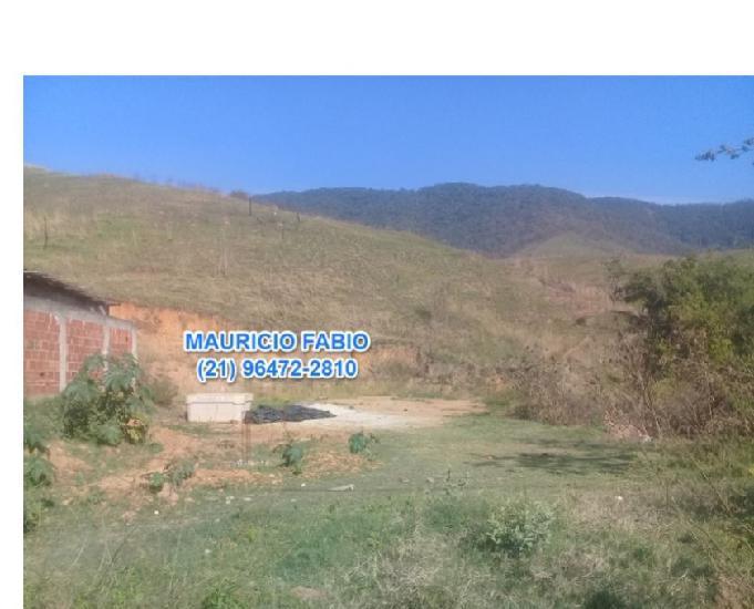 Terreno de 320m2 no bairro valverde em nova iguaçu
