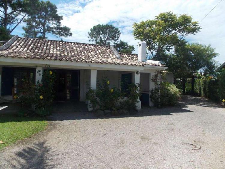 Casa condomínio fechado norte da ilha