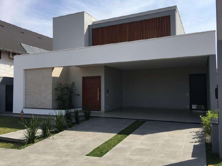Casa de 260 metros quadrados no bairro condomínio parque