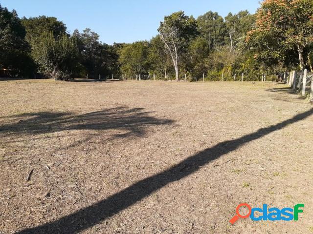 Lindo terreno com 585m², localizado a 50 metros da rs 040, ponta do aterro
