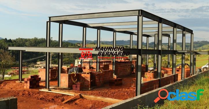 Construção: estrutura em aço.!