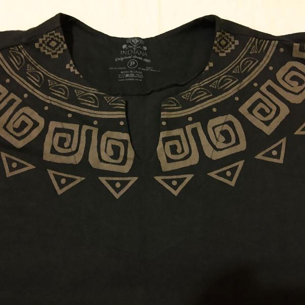 Camiseta bata étnica