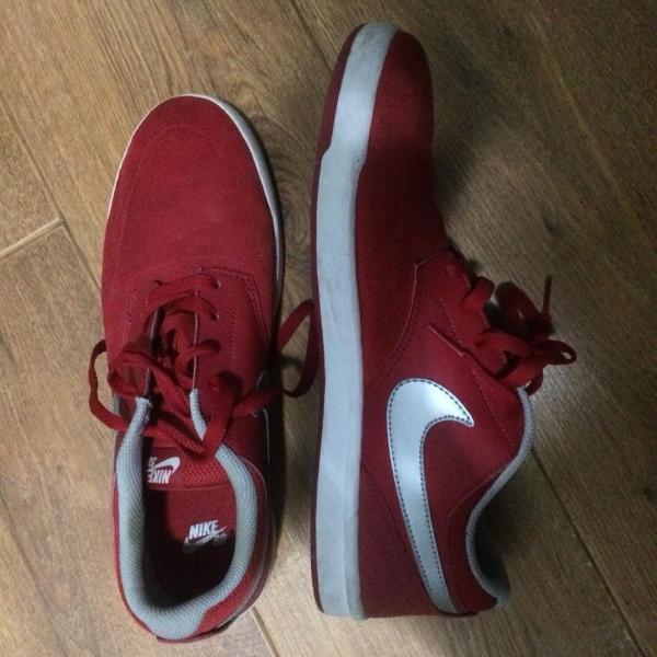Nike sb vermelho tamanho 43 usado apenas 1 vez