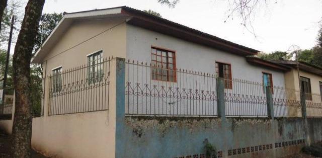 Terreno com 4 casas a venda em na vila carimã em foz do
