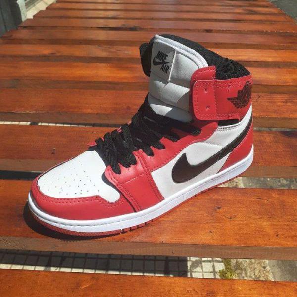 Tênis nike jordan branco e vermelho 42