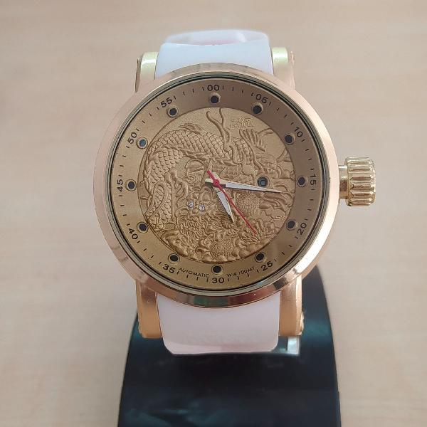 Relógio invicta branco yakuza bisel dourado