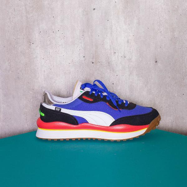 Tênis azul e vermelho 020 puma