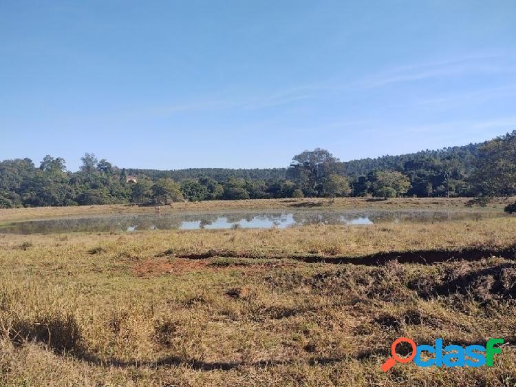 Terreno com 80.000m², lago, condomínio rural em sousas