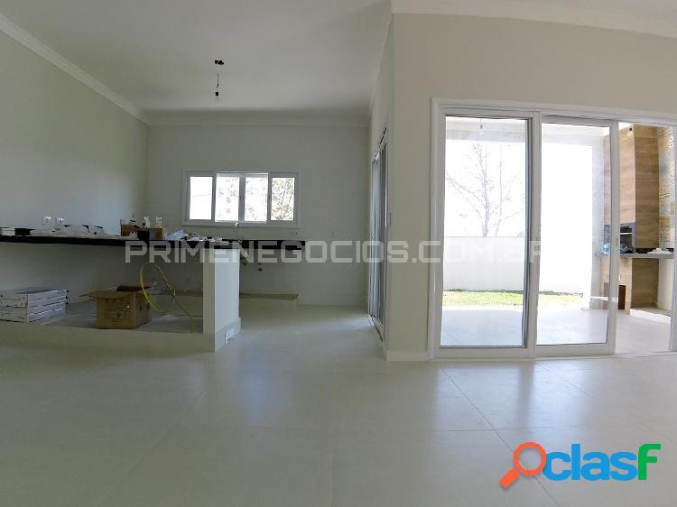 Casa térrea em Urbanova - condominio Floradas da Serra - 3 suites