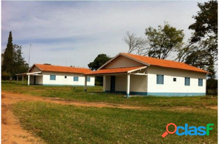 Fazenda município de echaporã-sp