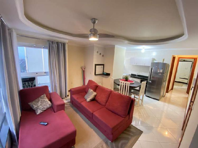 Apartamento mobiliado com 02 dormitórios á venda em meia