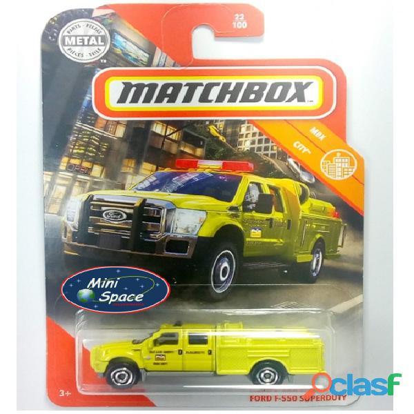 Matchbox Ford F 550 SuperDuty Bombeiro 1/64 10