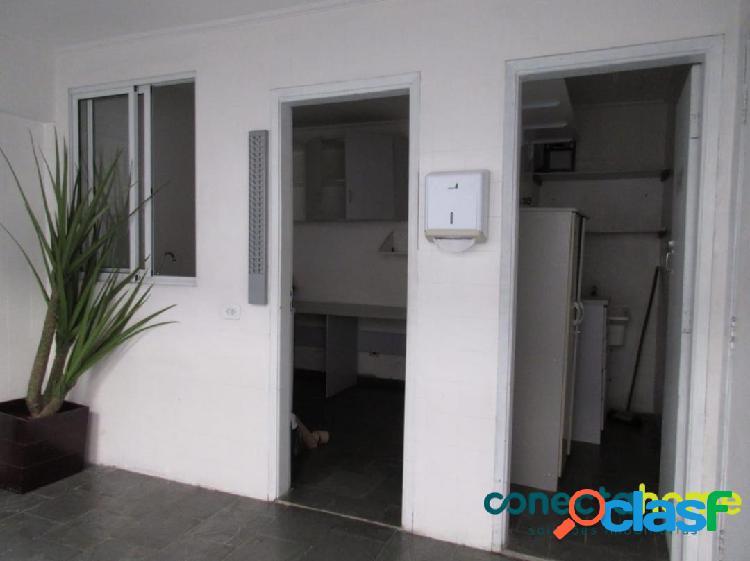 Casa comercial com 270 m², 8 salas e 2 vagas no jabaquara