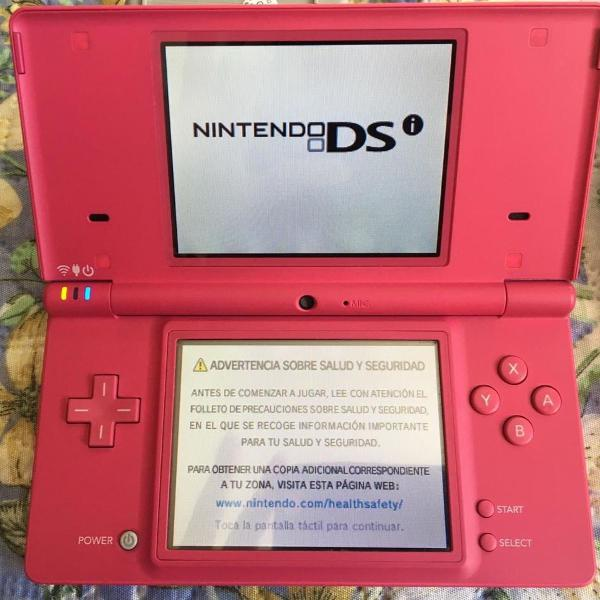 Nintendo dsi + r4