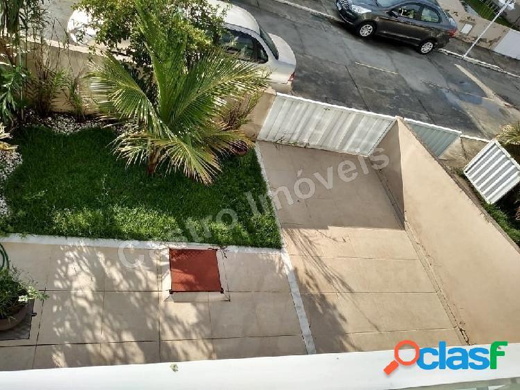 Vendo lindo Duplex em Chácara Mariléa 3