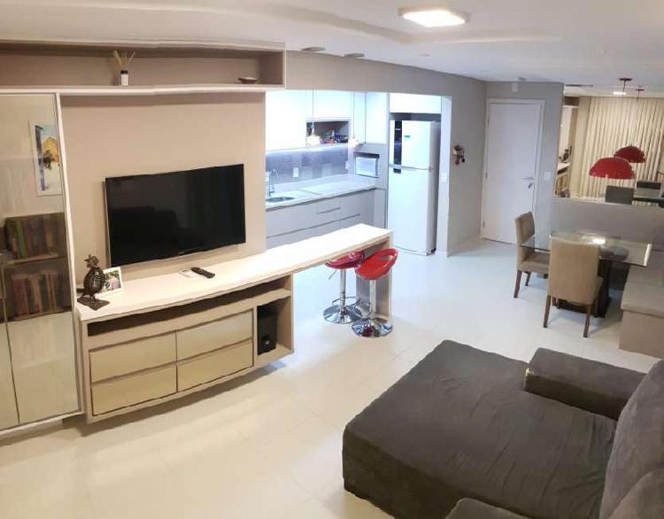 Apartamento para venda possui 77 metros quadrados com 2