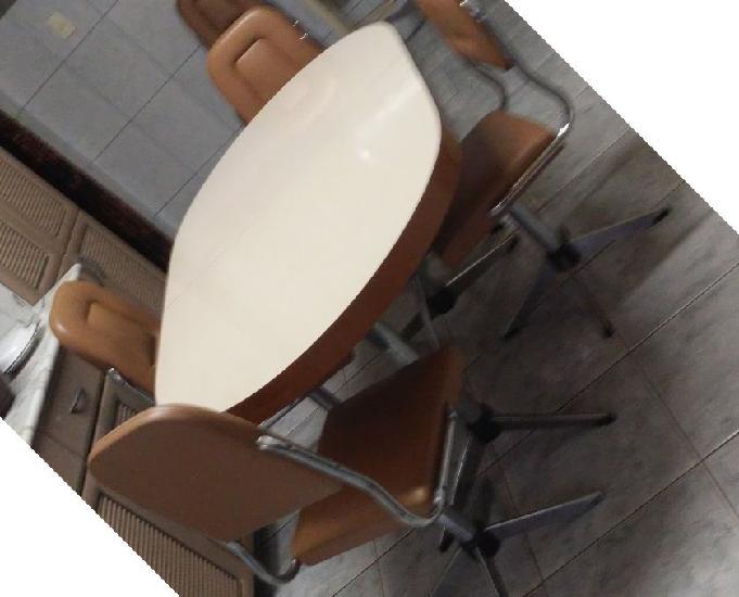 Mesa de cozinha com 4 cadeiras almofadas