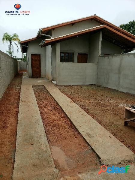 Casa 2 dormitórios no golfinho por r$ 198mil