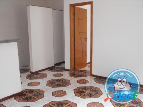 Alugo apartamentos em residencial no centro de porto seguro r$850,00