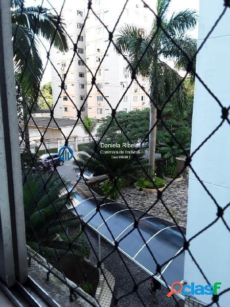 Frente - 3 dormitórios com garagem fechada
