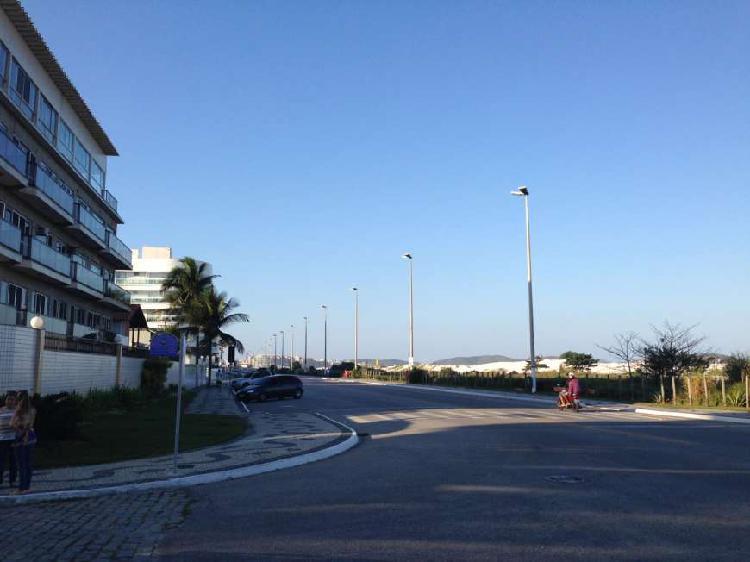 Praia do forte apartamento de frente para av litoranea com