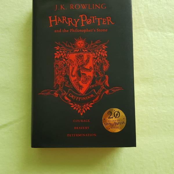 Harry potter and the philosopher's stone, edição 20 anos,