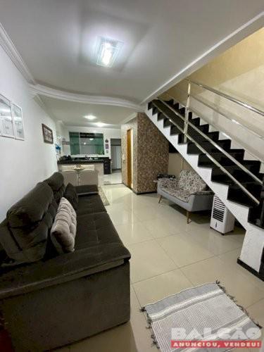 Linda casa geminada 2 quartos no bairro santa amélia