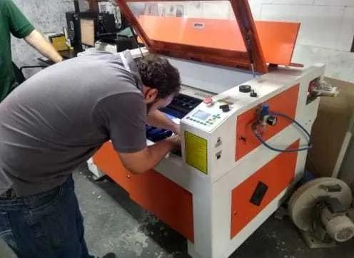 Manutenção de máquinas de corte a laser cnc