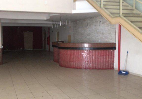 Salão comercial/prédio de 3 andares