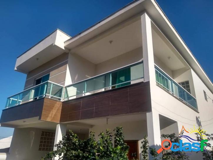 Linda Casa Duplex à Venda 4 Dormitórios Sendo 1 Suíte na Praia do Moçambique em Florianópolis - Santa Catarina - Brasil