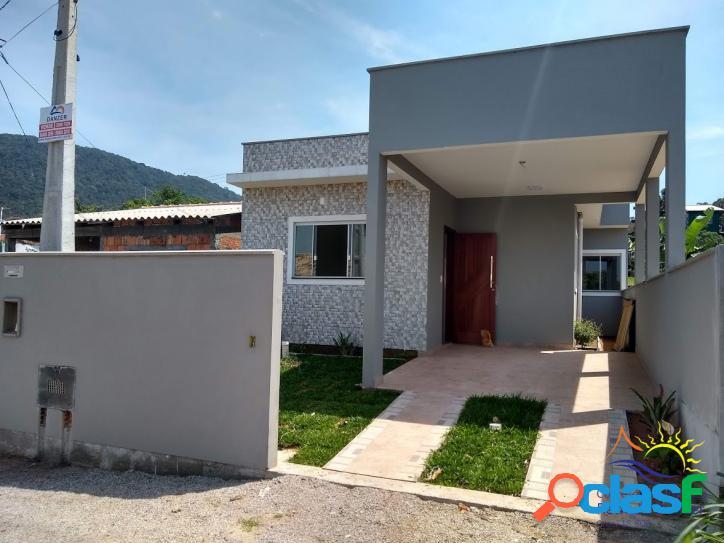Ótima casa à venda 2 dormitórios sendo 1 suíte bem localizada no muquém - rio vermelho - praia do moçambique.