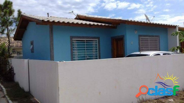 Linda casa térrea à venda com 2 dormitórios bem localizada no rio vermelho - praia do moçambique em florianópolis - sc.