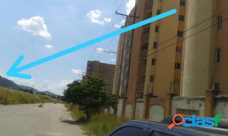 382 m2. venta de isuperable terreno en jardin mañongo naguanagua