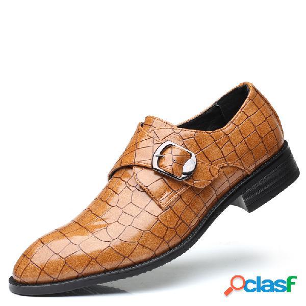Grande tamanho homens metal fivela antiderrapante deslizamento em sapatos formais