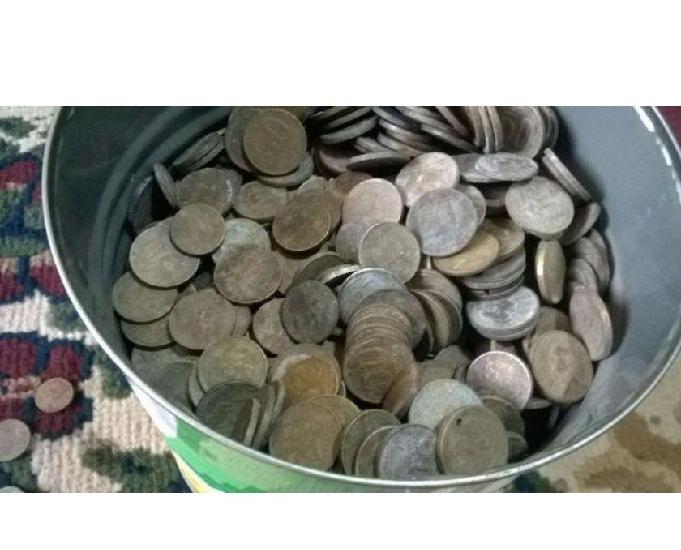 Compro moedas comuns de 1901 até ano 2000-pago r$20 o quilo