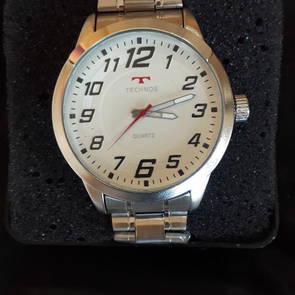 Relógio technos prata fundo branco