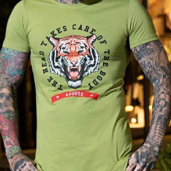 Camiseta long verde com tigre