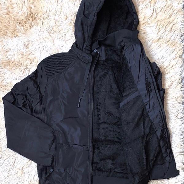 Jaqueta de nylon com capuz