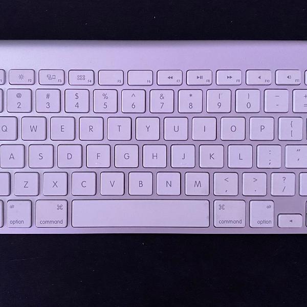 Teclado apple wireless keyboard com defeito