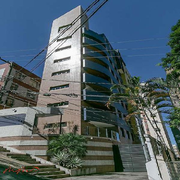Apartamento para venda possui 130 metros quadrados com 4