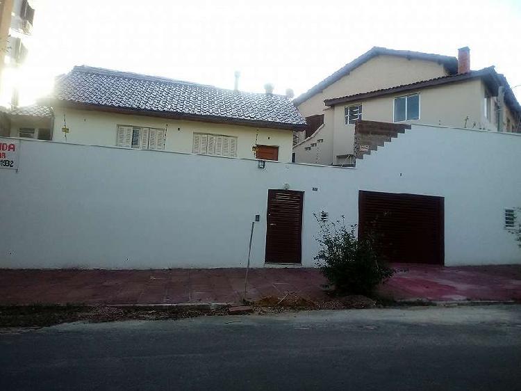 Casa para venda com 110 metros quadrados com 2 quartos