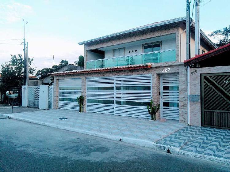 Ondomínio de casas sobrepostas nova balneário melvi em