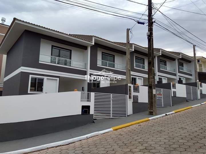 Sobrado à venda no Forquilhas - São José, SC. IM240063
