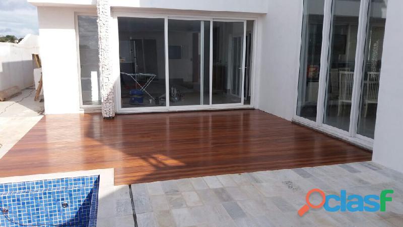 Quer colocar um deck de madeira em sua casa?