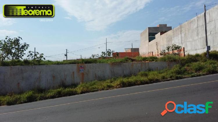 Terrenos, localizado na av. das flores - monte sinai